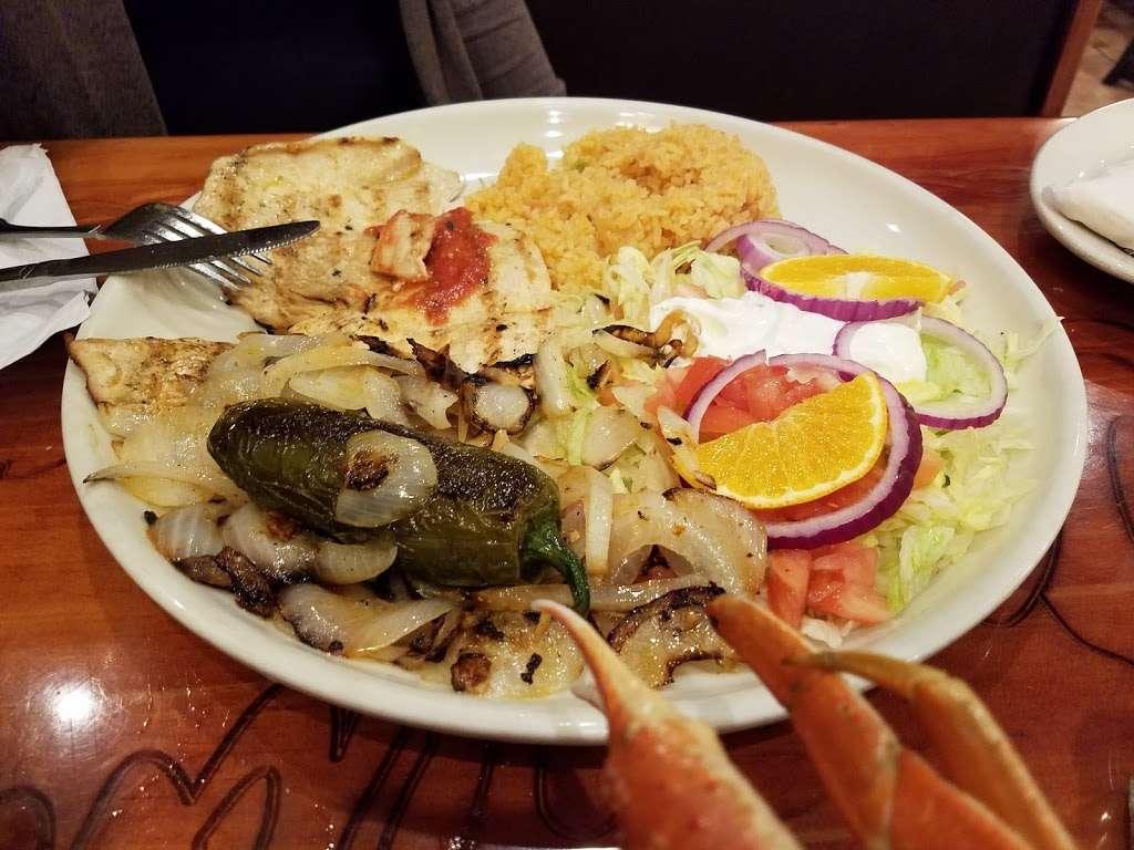 Dos Amigos Mexican Restaurant - restaurant  | Photo 7 of 10 | Address: 1222 Conover Blvd W, Conover, NC 28613, USA | Phone: (828) 466-1920