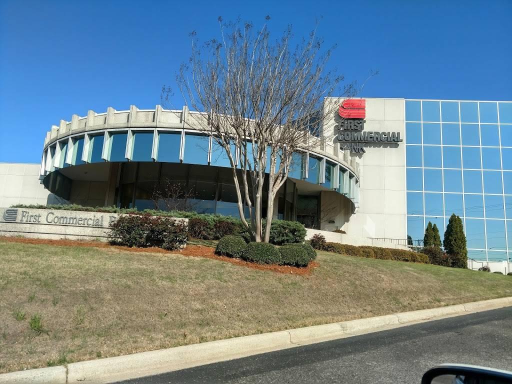 Synovus Bank - bank  | Photo 2 of 2 | Address: 550 Montgomery Hwy, Vestavia Hills, AL 35216, USA | Phone: (205) 868-1130