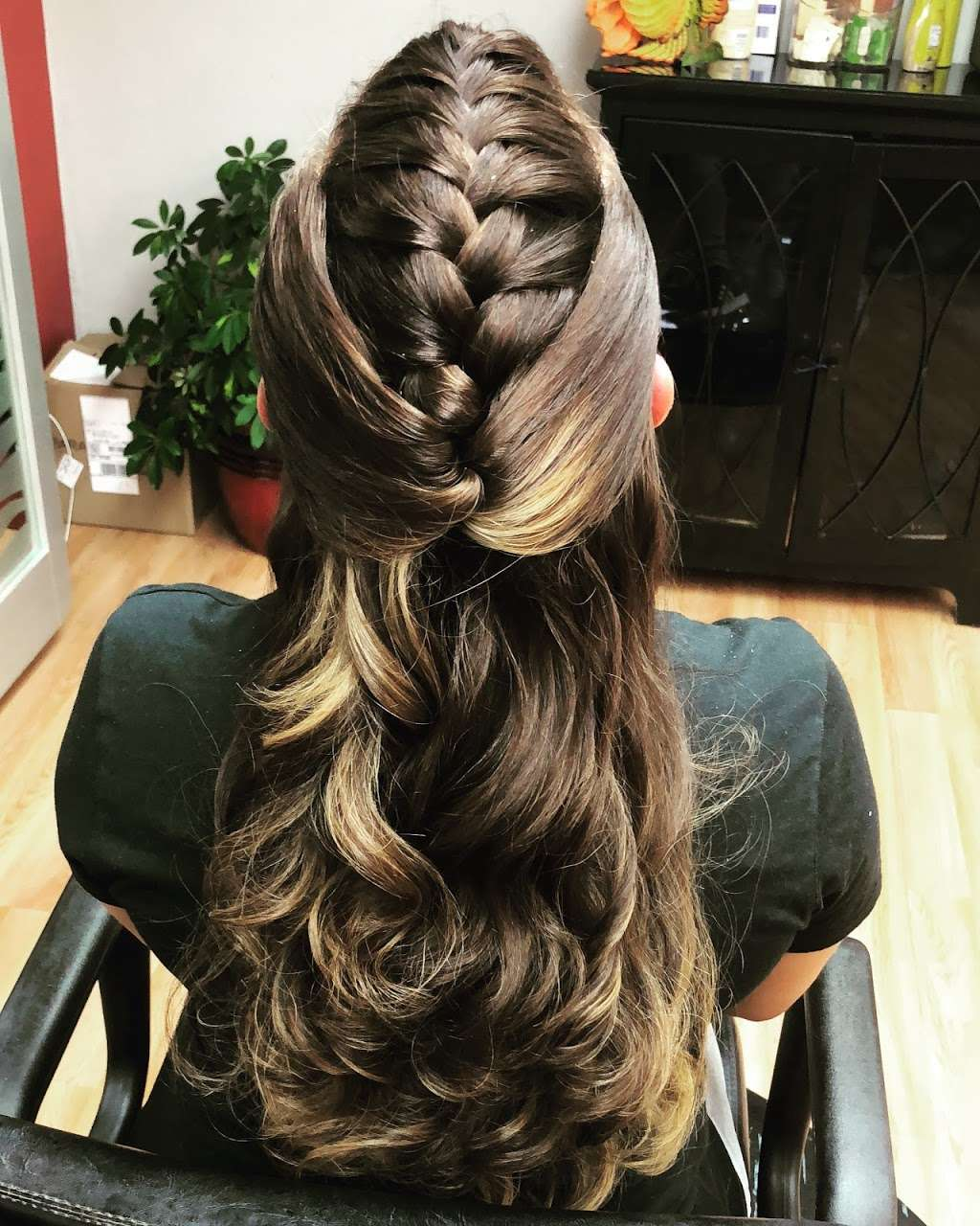 Sophisticut - hair care  | Photo 1 of 8 | Address: 366 Anderson Ave, Cliffside Park, NJ 07010, USA | Phone: (201) 941-3946