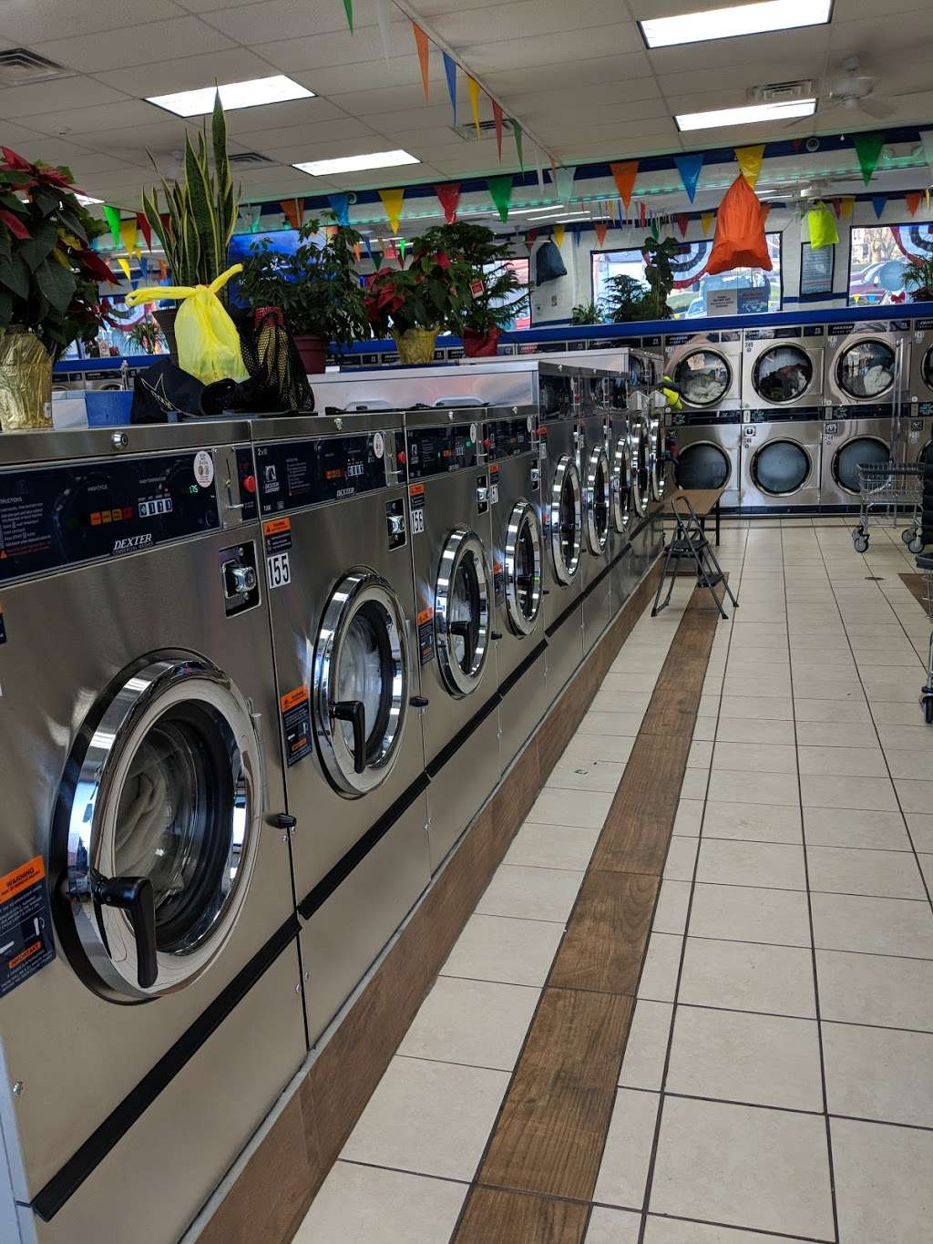LAUNDRY WAVE - laundry  | Photo 5 of 10 | Address: 500 Lexington Ave, Clifton, NJ 07011, USA | Phone: (862) 225-9339