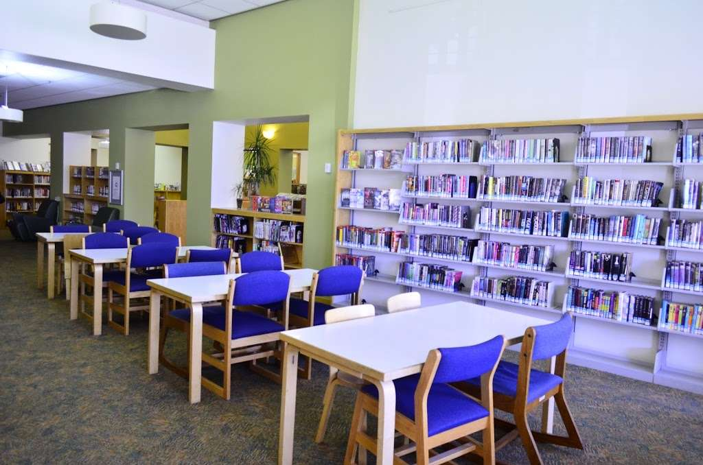Montrose Library - library  | Photo 5 of 10 | Address: 2465 Honolulu Ave, Montrose, CA 91020, USA | Phone: (818) 548-2048