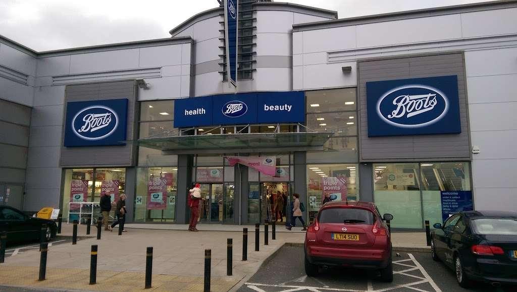 Boots - pharmacy  | Photo 1 of 4 | Address: 4, Colney Fields Shopping Park, London Colney, St Albans AL2 1AB, UK | Phone: 01727 826722