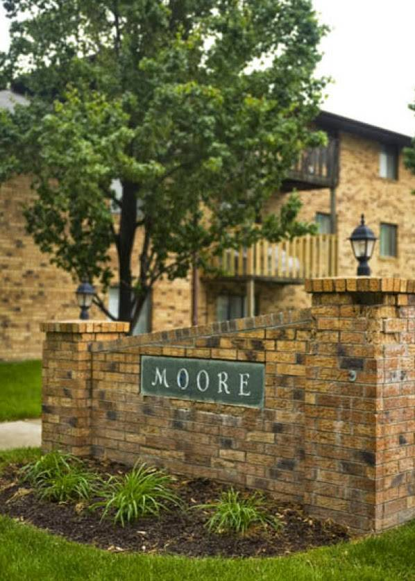 Moore Place Apartments - real estate agency  | Photo 2 of 6 | Address: 2920 N 54th St, Lincoln, NE 68504, USA | Phone: (402) 436-3461