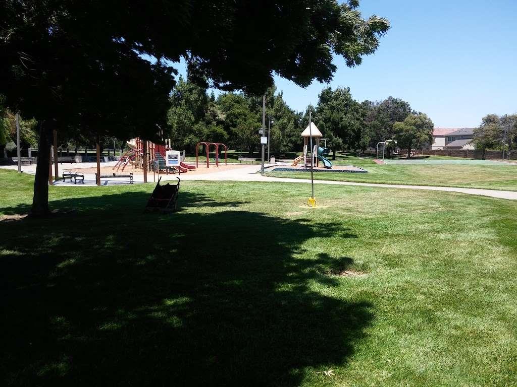 Ridgeview Park - park  | Photo 4 of 10 | Address: 4966 Silver Creek Rd, Fairfield, CA 94534, USA | Phone: (707) 428-7431