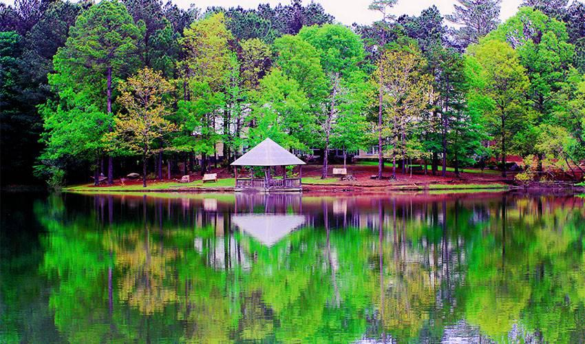 Magnolia Creek Treatment Center for Eating Disorders - doctor  | Photo 3 of 7 | Address: 645 Crenshaw Rd, Columbiana, AL 35051, USA | Phone: (866) 445-0366