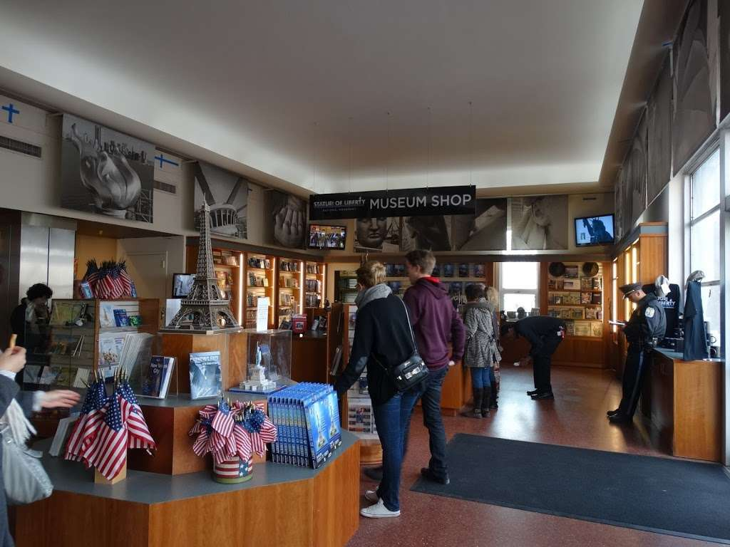 Statue Of Liberty Museum Store - store  | Photo 5 of 10 | Address: 1 Liberty Island - Ellis Island, New York, NY 10004, USA | Phone: (212) 363-3180