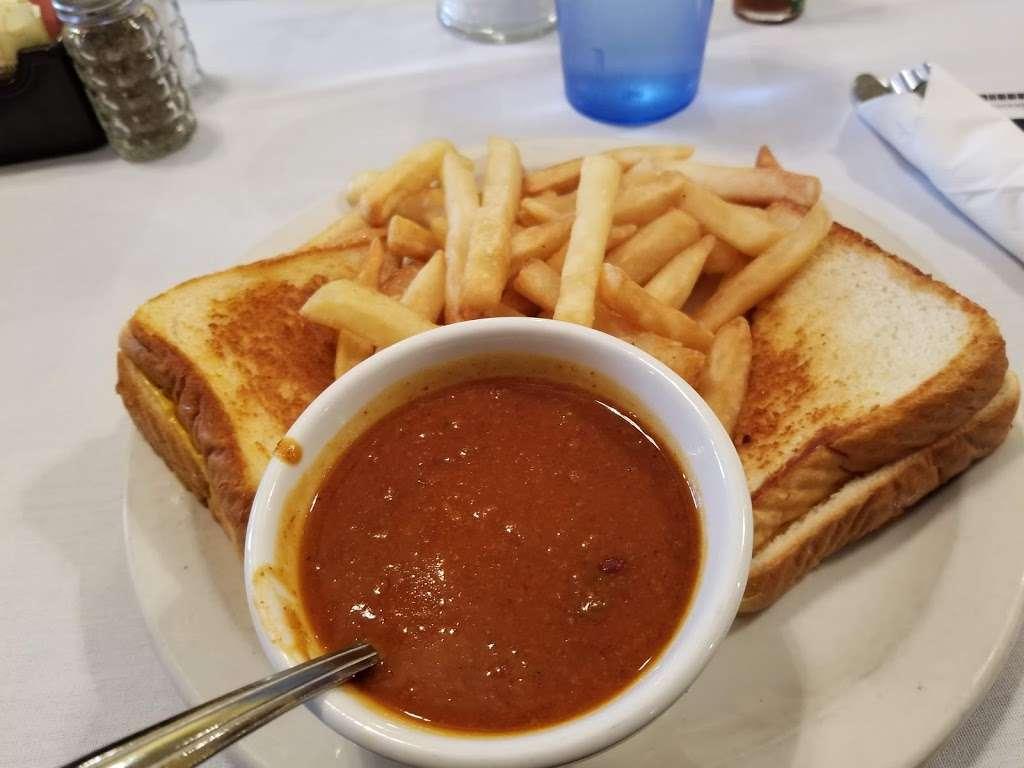 Pontiac Family Kitchen - restaurant  | Photo 7 of 10 | Address: 904 W Custer Ave, Pontiac, IL 61764, USA | Phone: (815) 844-3155