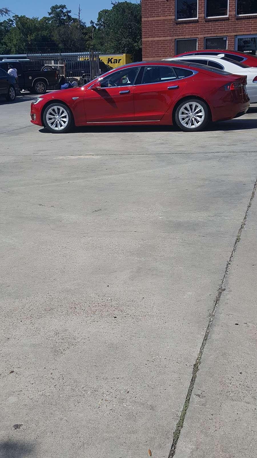 Kwik Kar Lube & Tune - car repair    Photo 10 of 10   Address: 12521 Kuykendahl Rd, Houston, TX 77090, USA   Phone: (281) 872-8884