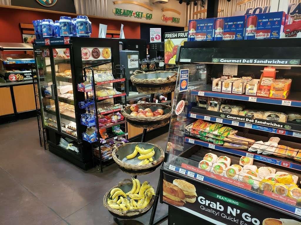 Circle K - convenience store  | Photo 2 of 10 | Address: 19830 N 7th St, Phoenix, AZ 85024, USA | Phone: (623) 780-3105