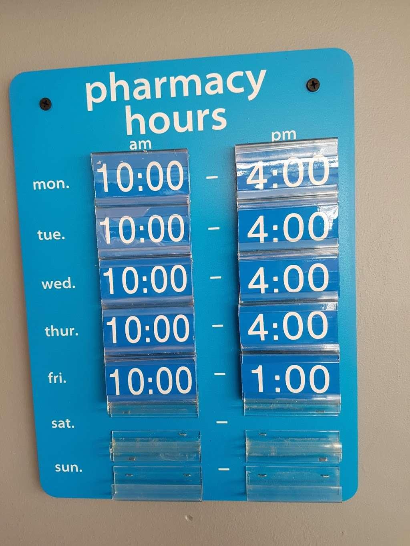 Luna Pharmacy II LLC - pharmacy  | Photo 1 of 2 | Address: 235 W 95th St, Chicago, IL 60628, USA | Phone: (773) 340-4445