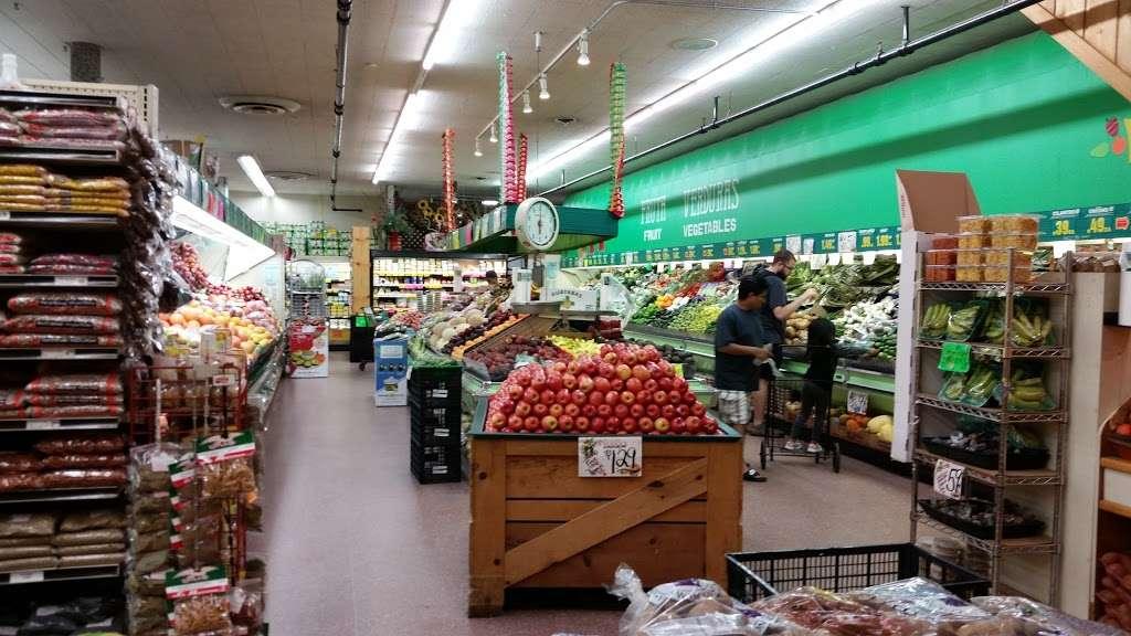La Casa Del Pueblo Inc. - store  | Photo 1 of 10 | Address: 1810 S Blue Island Ave, Chicago, IL 60608, USA | Phone: (312) 421-4640