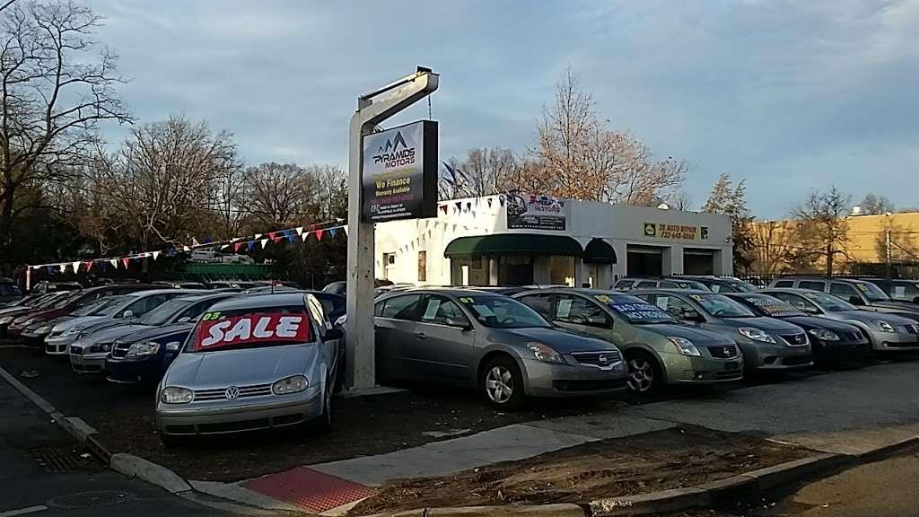 E Z Auto Trade Co - car dealer    Photo 1 of 2   Address: 1622 W Front St, Plainfield, NJ 07063, USA   Phone: (908) 834-2716