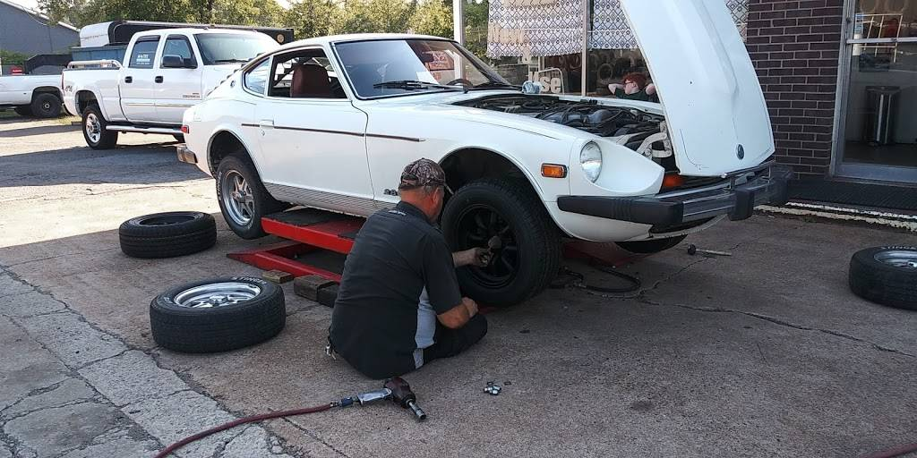 A Plus Tire - car repair    Photo 2 of 6   Address: 3700 Dickerson Pike, Nashville, TN 37207, USA   Phone: (615) 732-0877