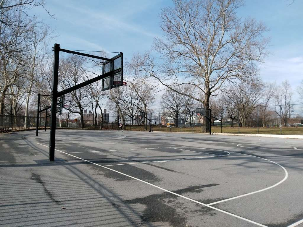 Noble Playground - park  | Photo 9 of 10 | Address: 3101, 1541 Bronx River Ave, Bronx, NY 10460, USA | Phone: (212) 639-9675