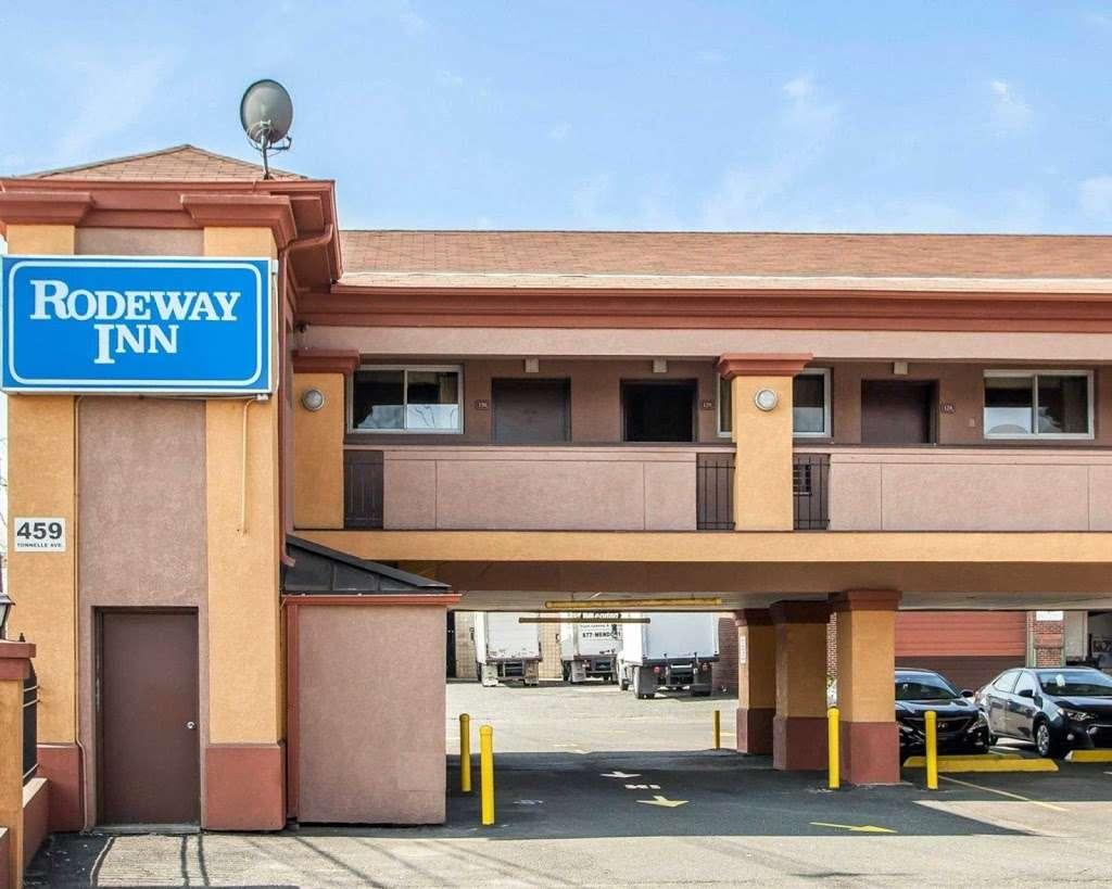 Rodeway Inn - lodging  | Photo 3 of 7 | Address: 459 Tonnelle Ave, Jersey City, NJ 07307, USA | Phone: (201) 420-7788