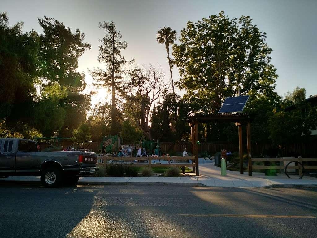 Del Medio Park - park  | Photo 2 of 10 | Address: 380 Del Medio Ave, Mountain View, CA 94040, USA | Phone: (650) 903-6326