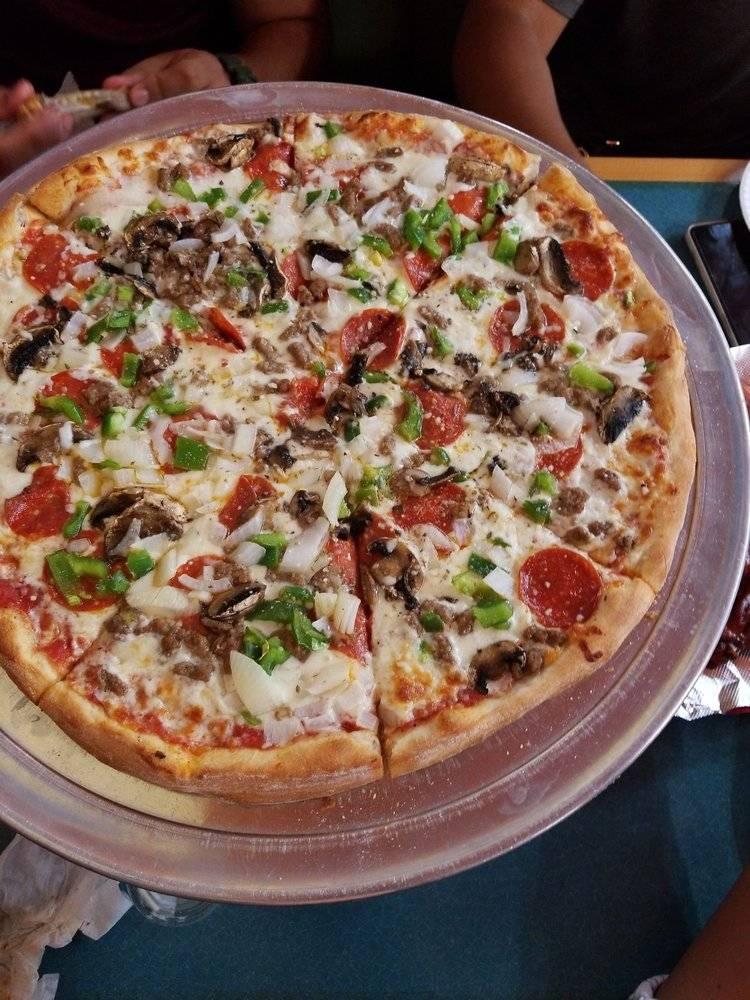 Bella Gina Pizza - restaurant  | Photo 2 of 10 | Address: 2218 Atlantic Ave, Virginia Beach, VA 23451, USA | Phone: (757) 422-2196