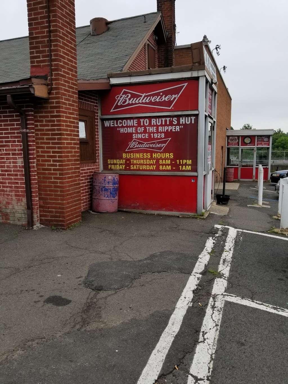 Rutts Hut - restaurant  | Photo 3 of 10 | Address: 417 River Rd, Clifton, NJ 07014, USA | Phone: (973) 779-8615