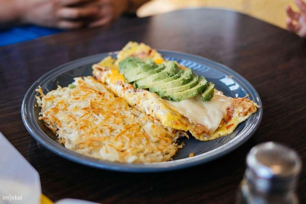 Yellow Basket - restaurant  | Photo 8 of 10 | Address: 18189 S Western Ave, Gardena, CA 90248, USA | Phone: (310) 327-2064