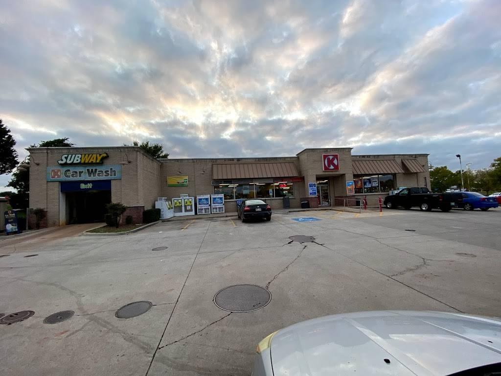 Subway - meal takeaway  | Photo 3 of 3 | Address: 1475 W I- 35 Frontage Rd, Edmond, OK 73034, USA | Phone: (405) 340-0356