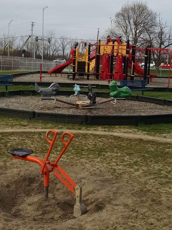 Playfield Park - park  | Photo 8 of 10 | Address: 12804 W Playfield Dr, Midlothian, IL 60445, USA