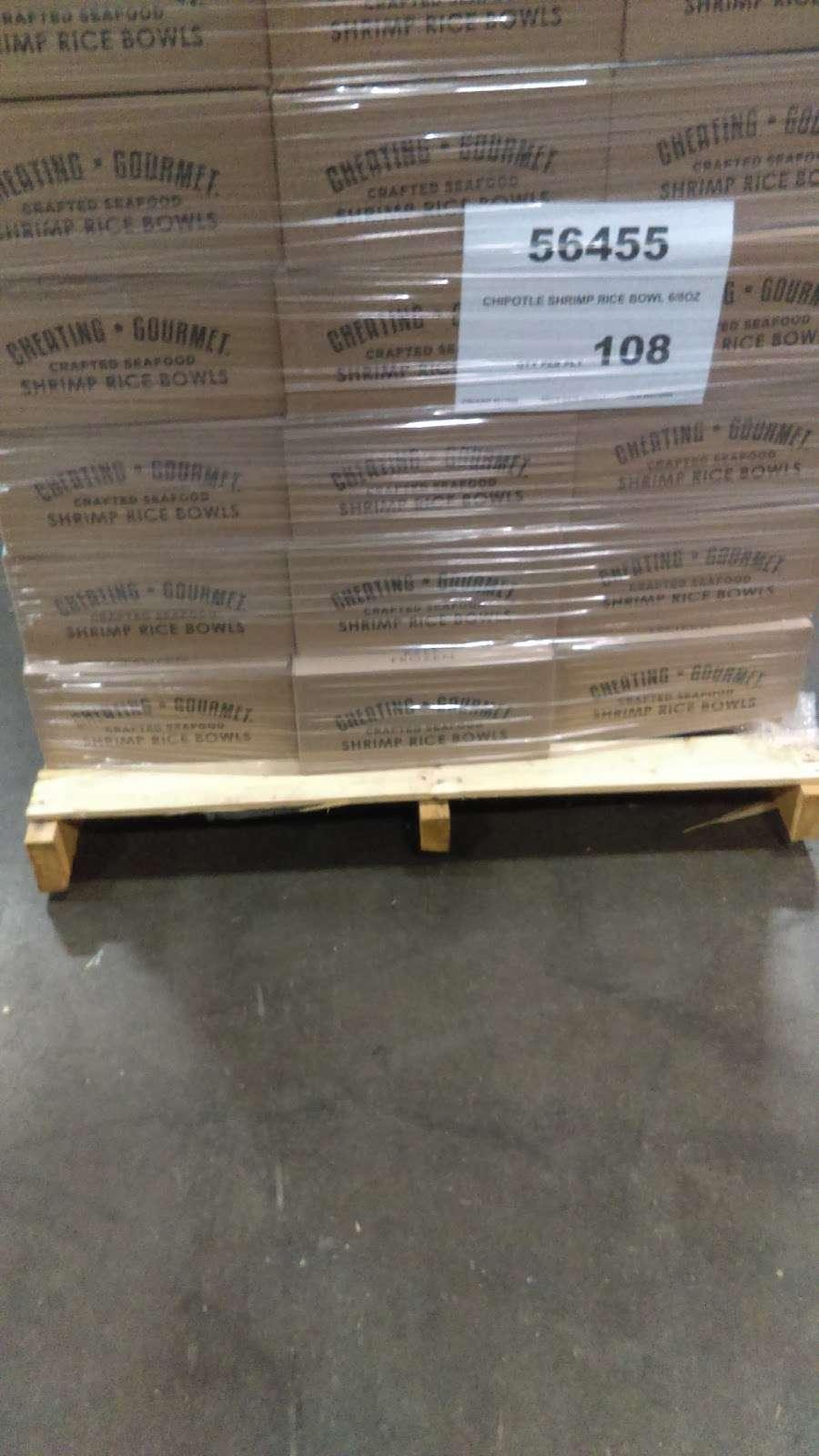 Roundys Supermarkets Distribution Warehouse - storage  | Photo 9 of 10 | Address: 1120 Distribution Ct, Oconomowoc, WI 53066, USA | Phone: (262) 560-3300