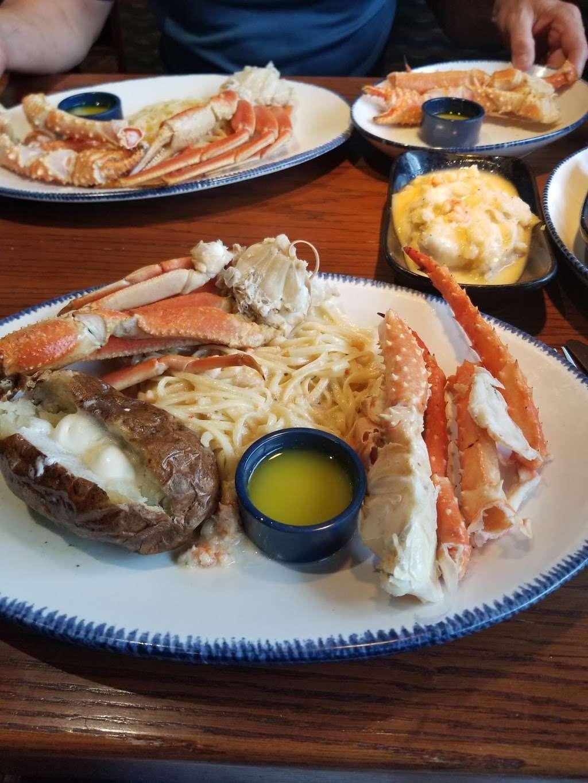 Red Lobster - restaurant  | Photo 7 of 10 | Address: 4717 I-10, Baytown, TX 77521, USA | Phone: (281) 421-5656
