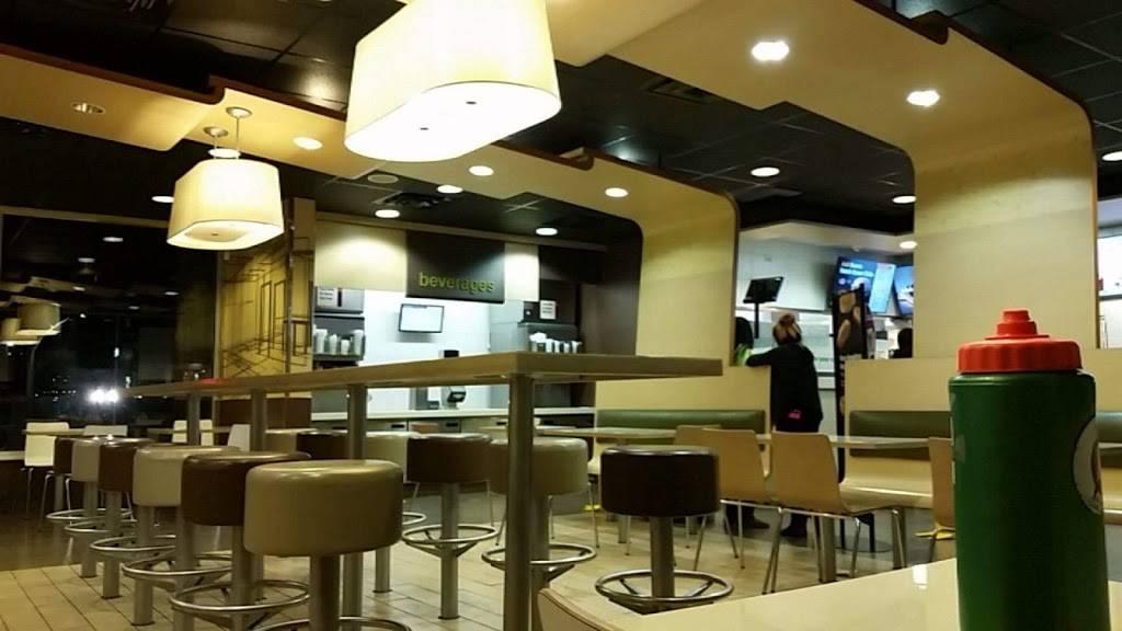 McDonalds - cafe  | Photo 1 of 9 | Address: 1420 Montaño Rd NE, Albuquerque, NM 87107, USA | Phone: (505) 345-1814