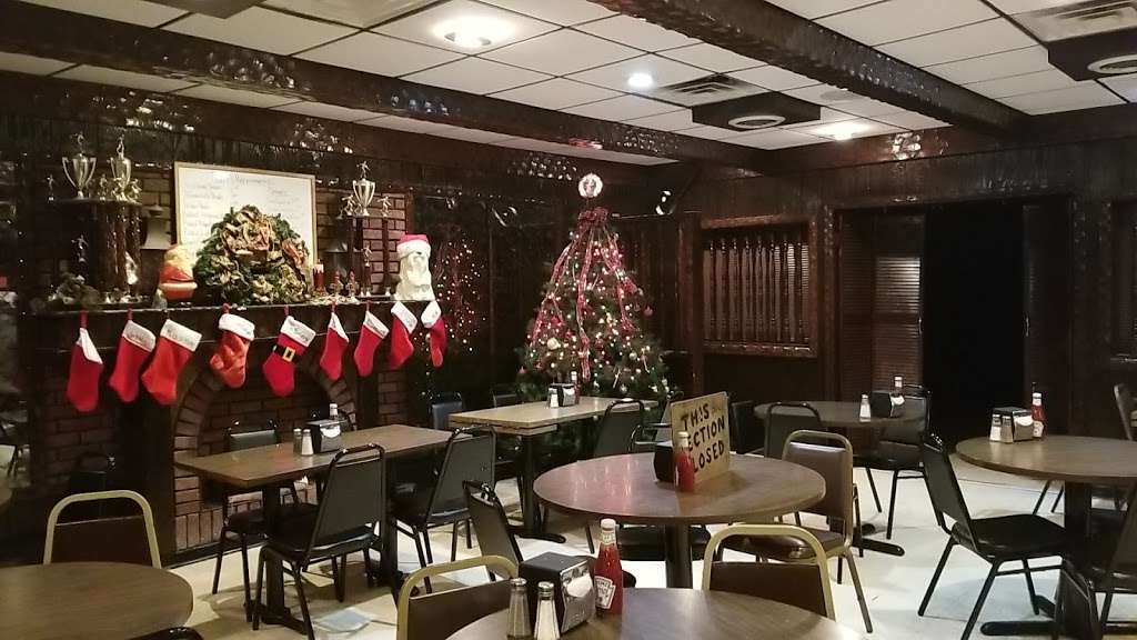 Rutts Hut - restaurant  | Photo 1 of 10 | Address: 417 River Rd, Clifton, NJ 07014, USA | Phone: (973) 779-8615