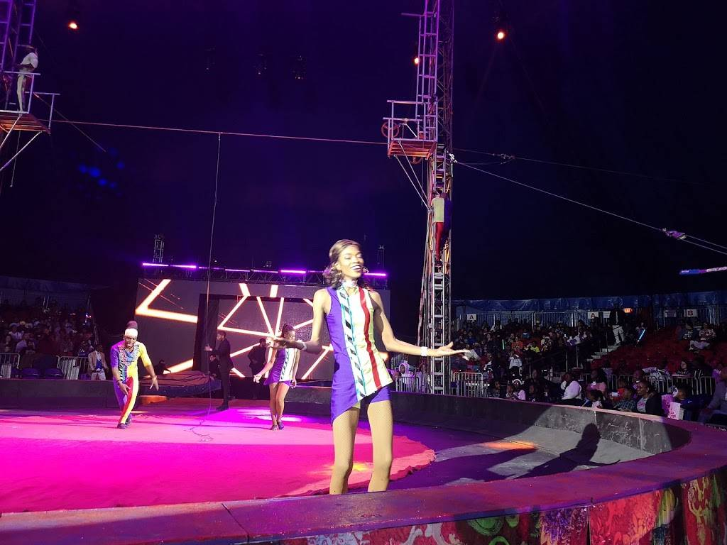 Universoul Circus In Washington Park - museum  | Photo 8 of 10 | Address: 52nd and, S, Payne Dr, Chicago, IL 60615, USA | Phone: (800) 745-3000