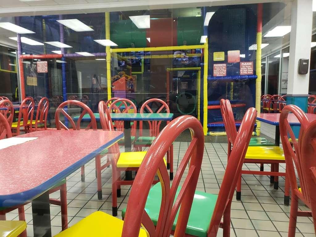 McDonalds - cafe  | Photo 8 of 10 | Address: 5010 US-90 ALT, Sugar Land, TX 77479, USA | Phone: (281) 494-0503