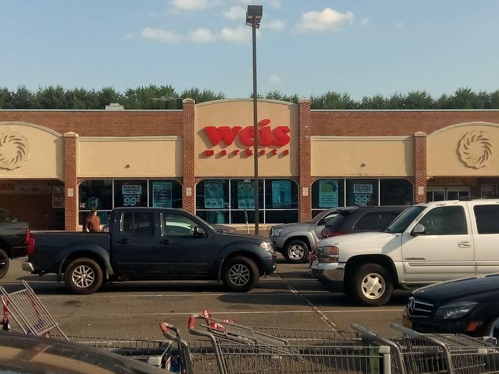 Weis Markets - store    Photo 4 of 10   Address: 282 Deacon Rd, Fredericksburg, VA 22405, USA   Phone: (540) 371-3258