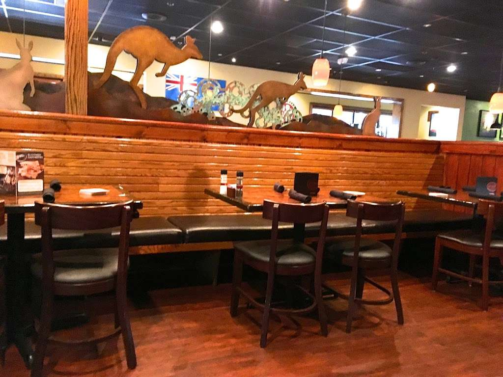 Outback Steakhouse - restaurant  | Photo 6 of 10 | Address: 539 River Rd, Edgewater, NJ 07020, USA | Phone: (201) 840-9600