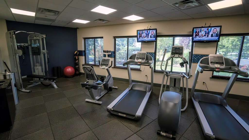 Hampton Inn Carlstadt-At The Meadowlands - lodging    Photo 9 of 10   Address: 304 Paterson Plank Rd, Carlstadt, NJ 07072, USA   Phone: (201) 935-9000