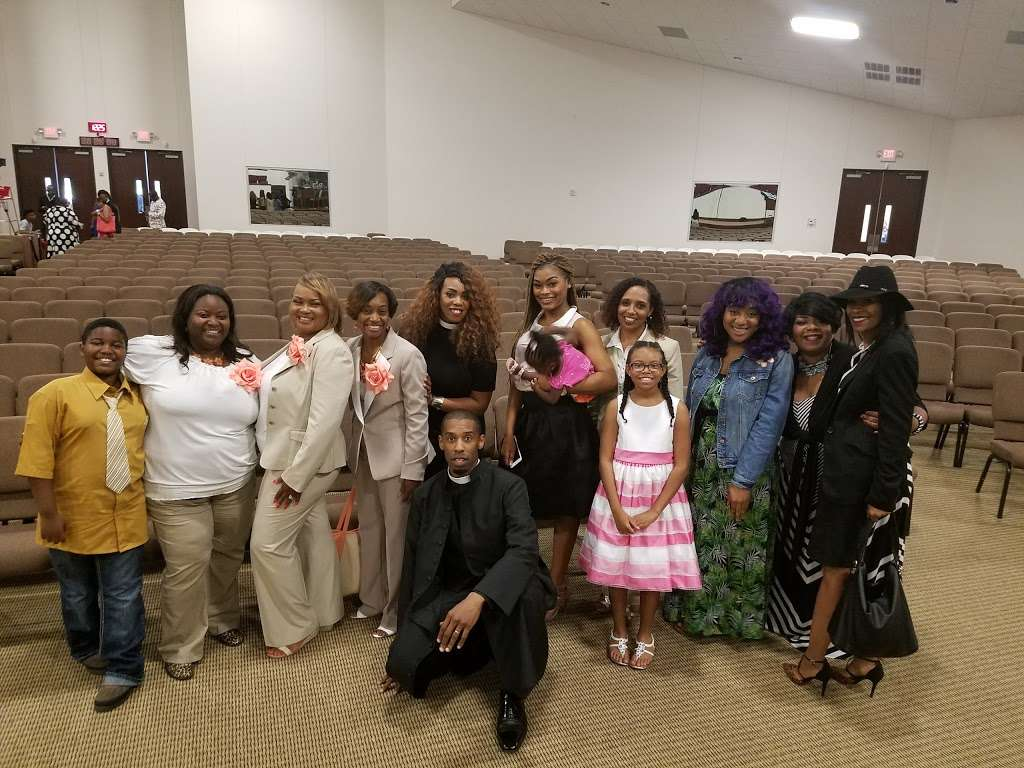 The Luke Church - church  | Photo 9 of 10 | Address: 2380 S Houston Ave, Humble, TX 77396, USA | Phone: (281) 548-2001
