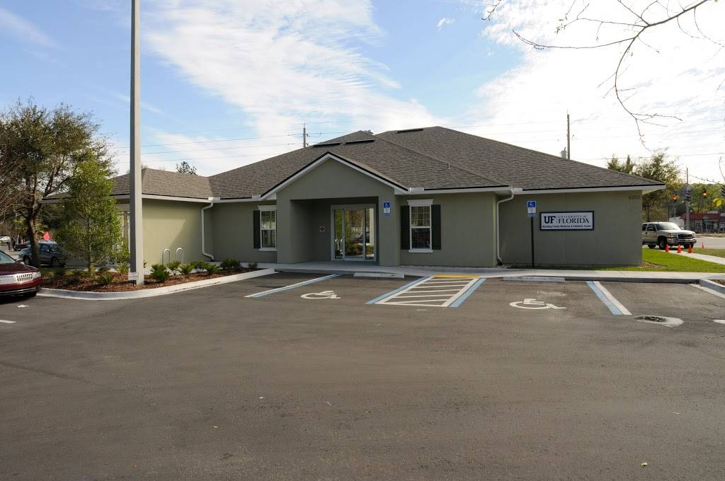 UF Health Family Medicine and Pediatrics – Blanding - hospital  | Photo 5 of 5 | Address: 6015 118th St, Jacksonville, FL 32244, USA | Phone: (904) 633-0610
