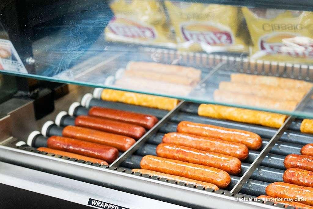 Circle K - convenience store  | Photo 3 of 10 | Address: 7415 Garth Rd, Baytown, TX 77521, USA | Phone: (281) 421-0421