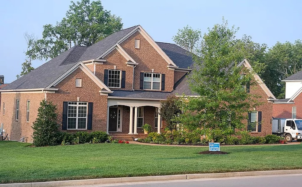 QE Restoration & Roofing Franklin - roofing contractor    Photo 10 of 10   Address: 617 Shadycrest Ln, Franklin, TN 37064, USA   Phone: (615) 505-7663