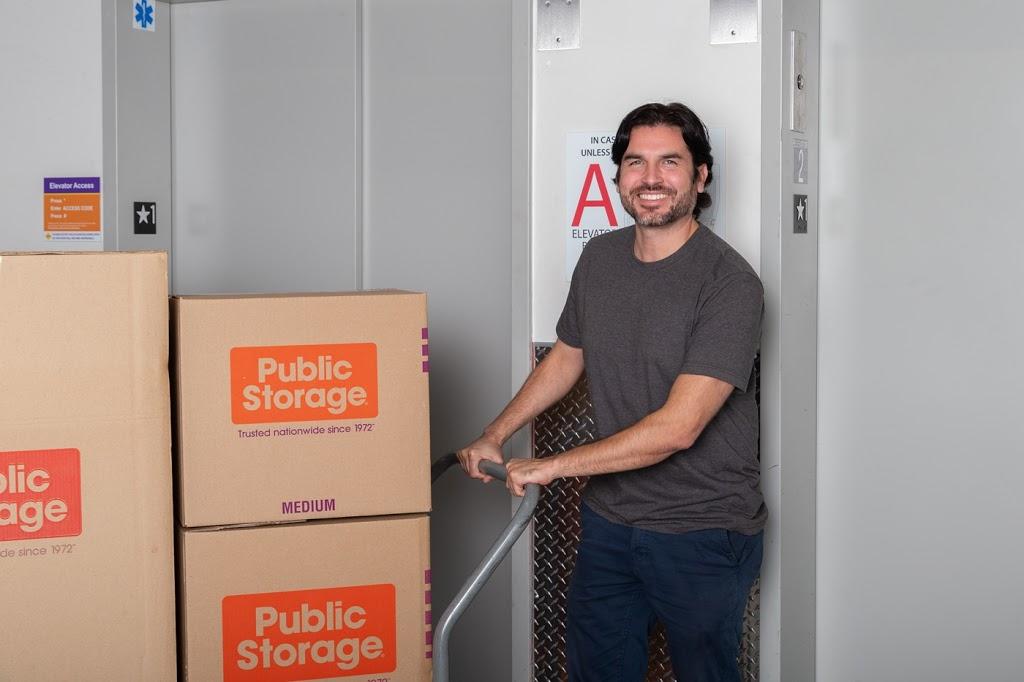 Public Storage - storage  | Photo 4 of 10 | Address: 5002 2nd Ave, Brooklyn, NY 11232, USA | Phone: (718) 887-9049
