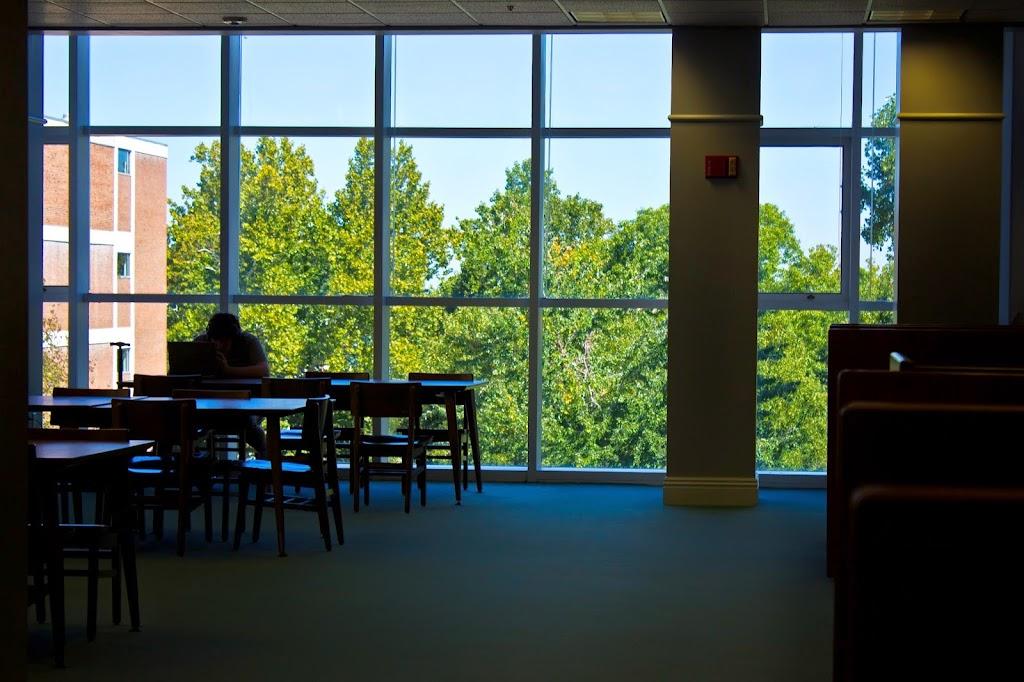 Eastern Kentucky University Libraries - library  | Photo 2 of 10 | Address: 583 University Dr, Richmond, KY 40475, USA | Phone: (859) 622-1790