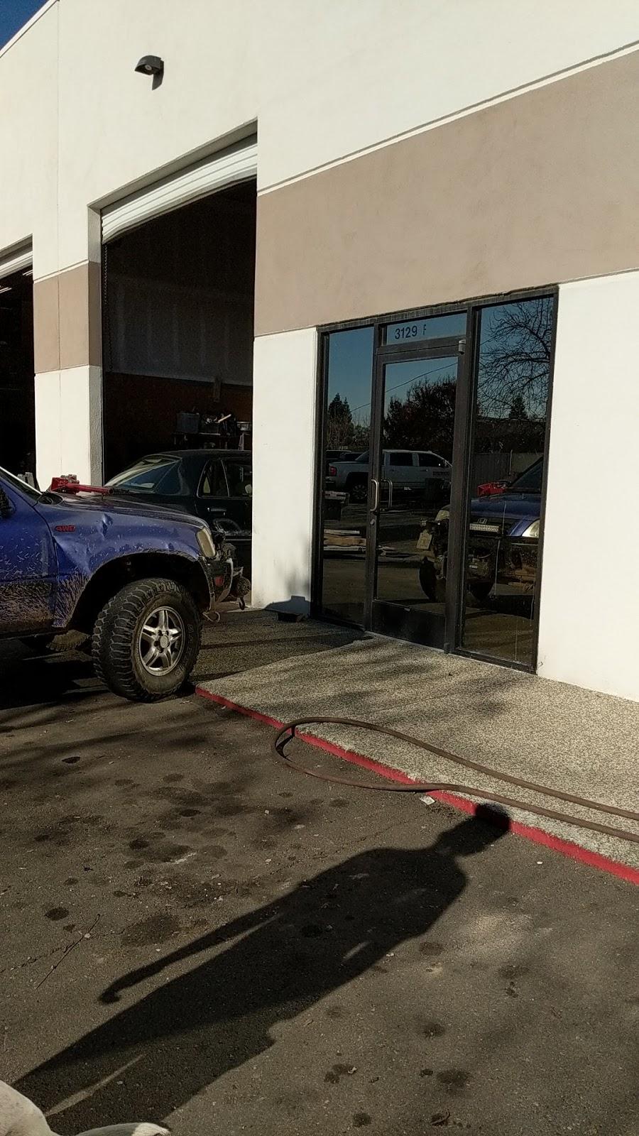 Old Time Restoration - car repair    Photo 1 of 4   Address: 3129 Swetzer Rd # F, Loomis, CA 95650, USA   Phone: (916) 303-0116