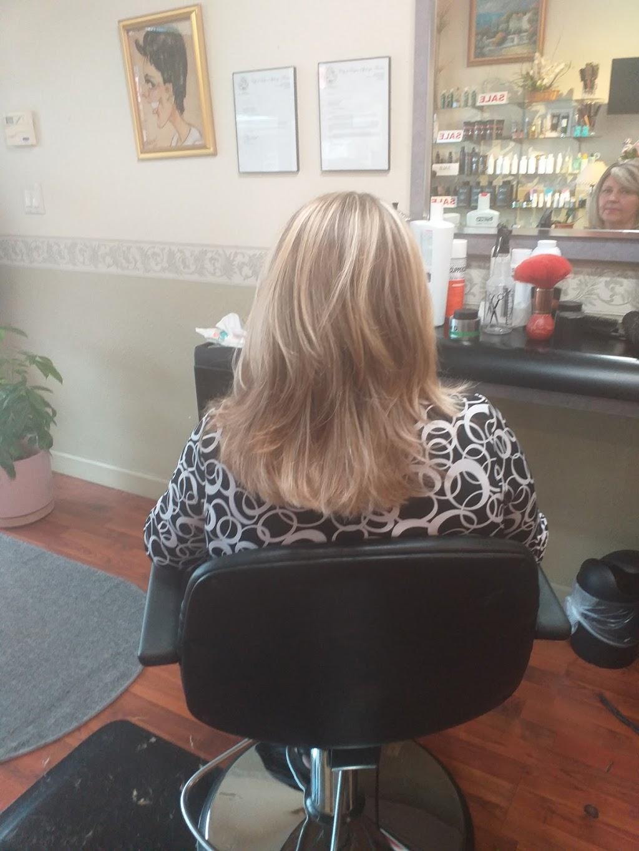 La Riviera Hair & Nail Salon - hair care  | Photo 8 of 10 | Address: 39324 US Hwy 19 N, Tarpon Springs, FL 34689, USA | Phone: (727) 784-1241