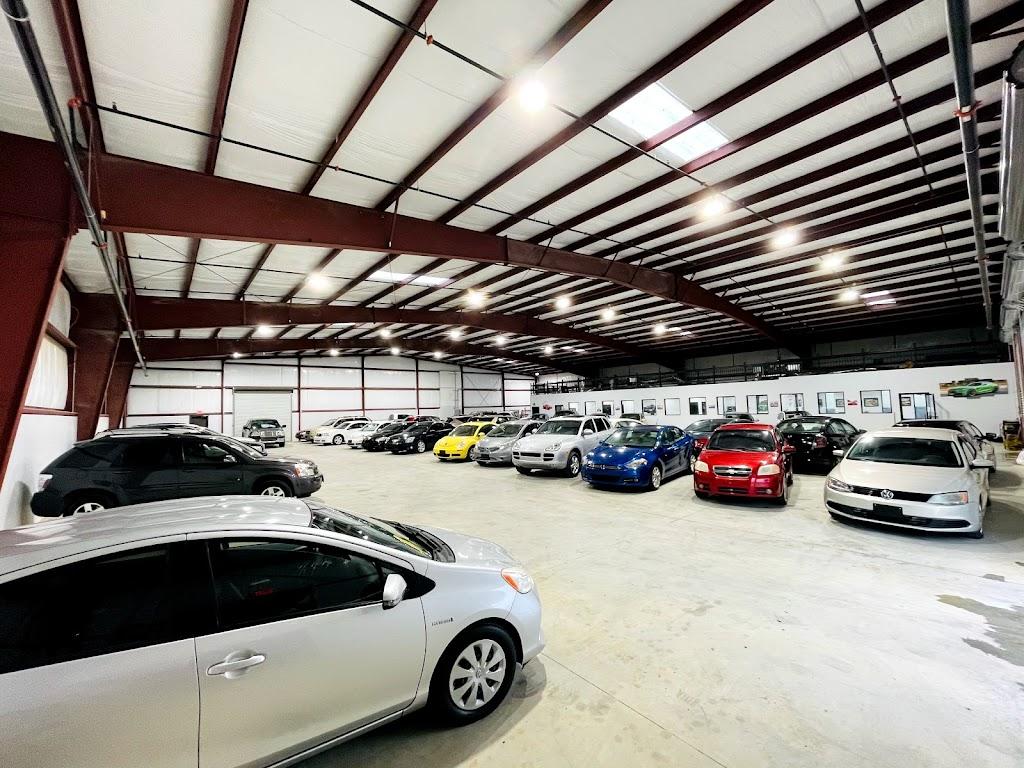 Texas Drive Auto Dealer - car dealer  | Photo 5 of 10 | Address: 10511 Olympic Dr, Dallas, TX 75220, USA | Phone: (214) 272-3098