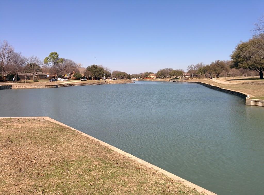 Big Lake Park - park  | Photo 2 of 10 | Address: 3800 Rainier Rd, Plano, TX 75023, USA | Phone: (972) 941-7250