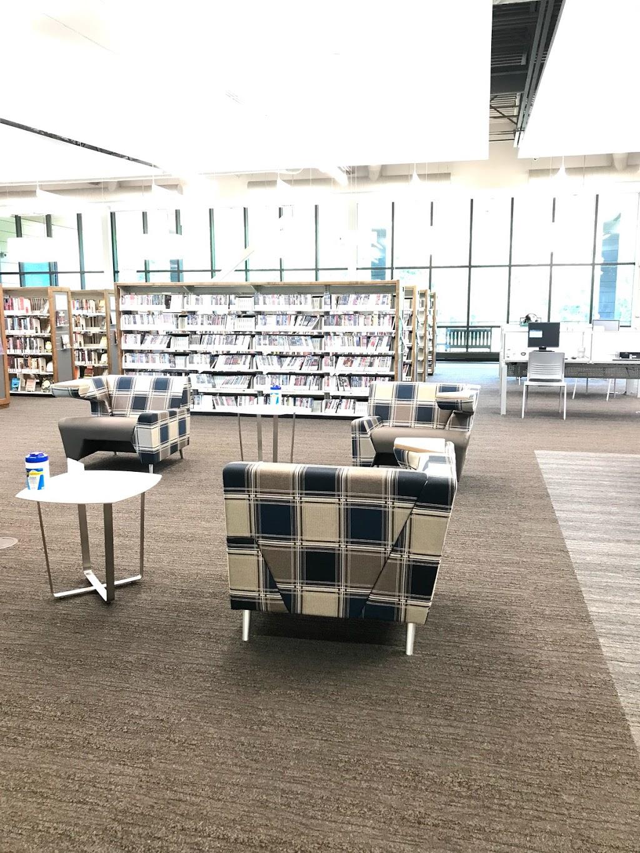 St. Louis County Library–Meramec Valley Branch - library  | Photo 1 of 10 | Address: 1501 San Simeon Way, Fenton, MO 63026, USA | Phone: (314) 994-3300