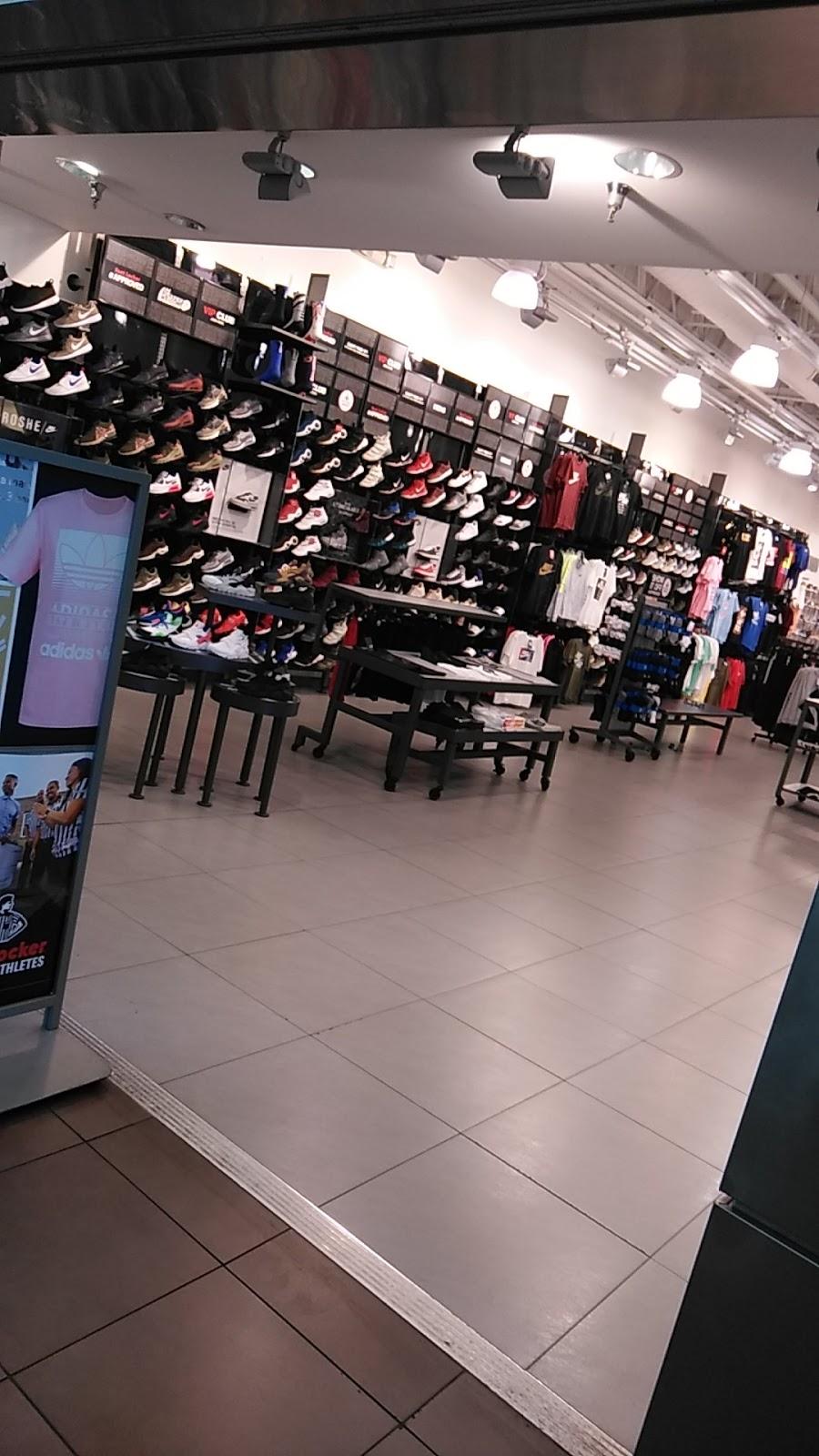 Foot Locker - shoe store    Photo 2 of 10   Address: 1711 W Bethany Home Rd, Phoenix, AZ 85015, USA   Phone: (602) 246-9931