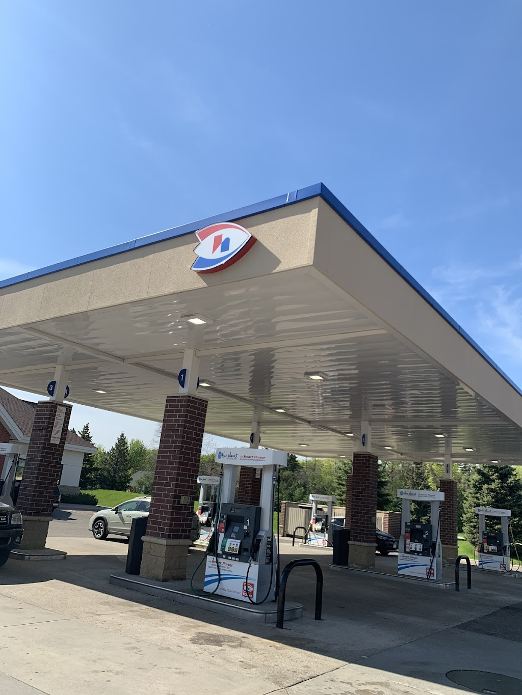 Holiday Stationstores - convenience store  | Photo 1 of 5 | Address: 7033 Jorgensen Ln S, Cottage Grove, MN 55016, USA | Phone: (651) 458-8080