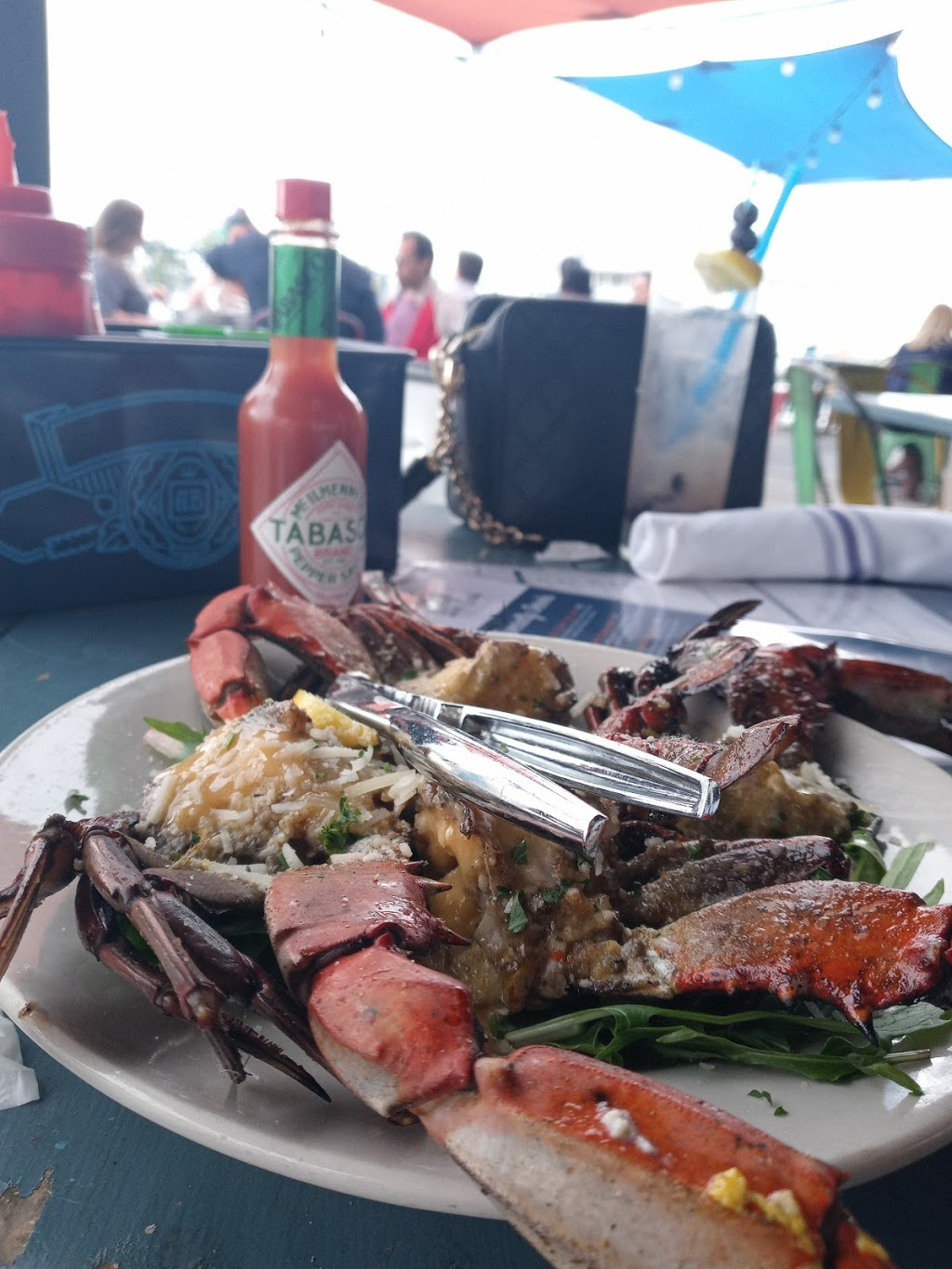 The Blue Crab Restaurant and Oyster Bar - restaurant  | Photo 8 of 10 | Address: 7900 Lakeshore Dr, New Orleans, LA 70124, USA | Phone: (504) 284-2898