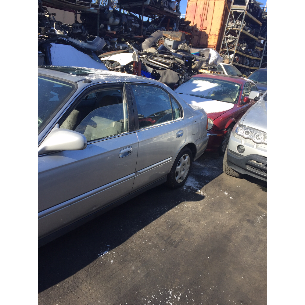 Class A Cars-N-Parts - car dealer  | Photo 2 of 10 | Address: 477 Liberty Ave, Brooklyn, NY 11207, USA | Phone: (718) 348-0303