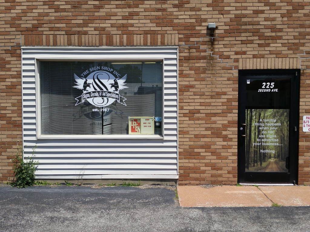 The Sign Shop Inc - store  | Photo 1 of 3 | Address: 225 2nd Ave, Edwardsville, IL 62025, USA | Phone: (618) 656-0606